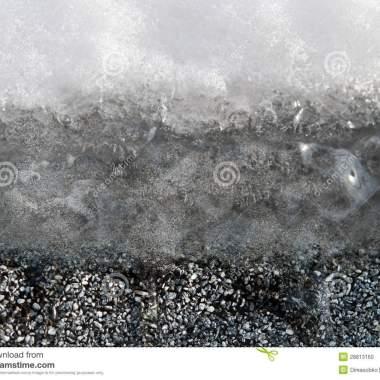 capas-de-hielo-y-de-asfalto-de-la-nieve-28813160